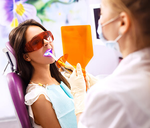 Fort Lauderdale dentist explains what laser dentistry can be used to treat
