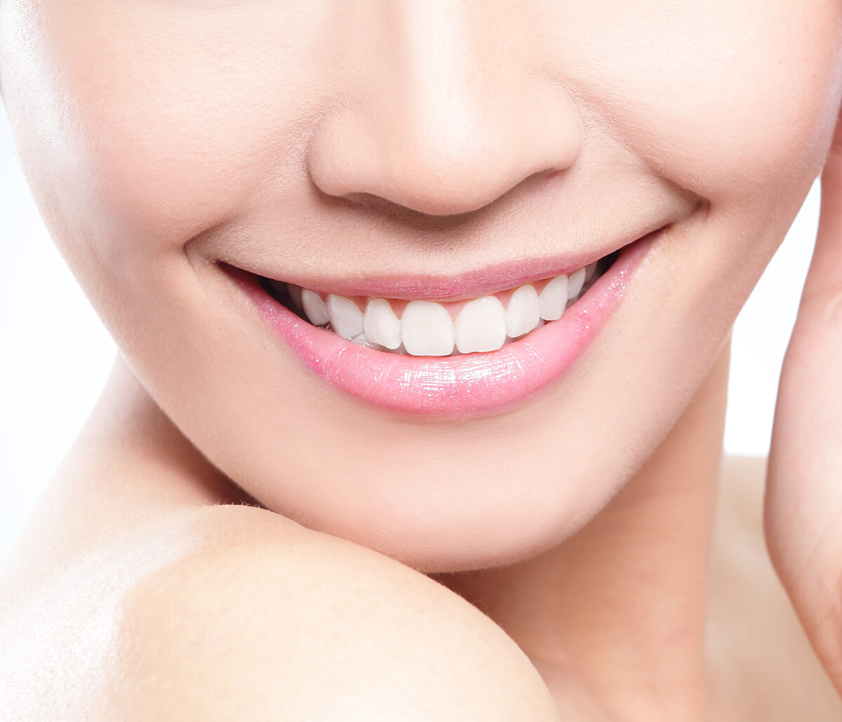 Dentist in Fort Lauderdale Area Explains the Connection Between 8th Tooth or the First Incisor and Overall Health